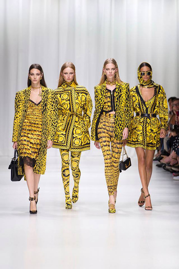 Tom And Lorenzo Versace-Spring-2018-Collecton-Runway-Looks-MFW-Milan-Fashion-Week-Tom-Lorenzo-Site-1